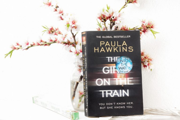 paula hawkins girl on the train review